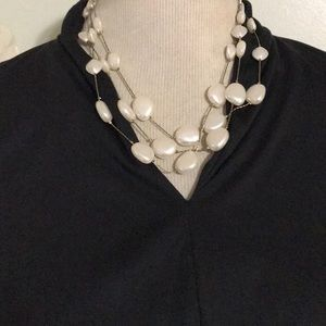 CLAIRE'S PEARL NECKLACE